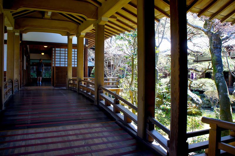 古方丈にかかる渡り廊下/永観堂 禅林寺(Eikando, Zenrin-ji Temple / Kyoto City) 2015/04/02
